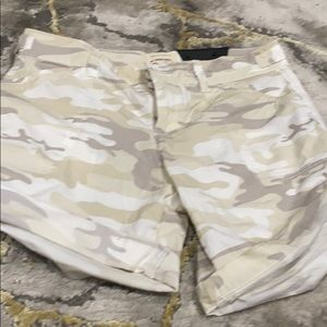 Sanctuary cream camo shorts